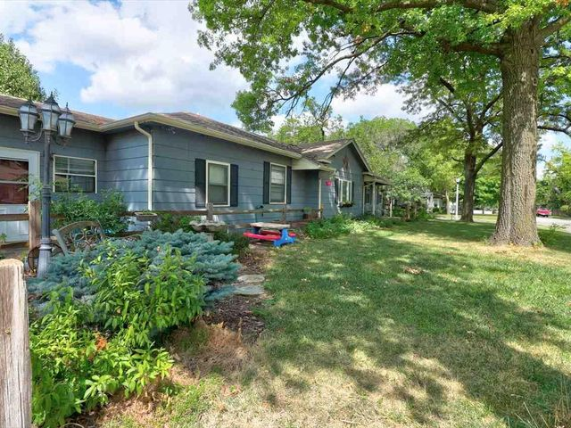 Photo of 422 S Maple St McPherson, KS 67460-0000