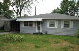 404 E Avenue F South Hutchinson, KS 67505,