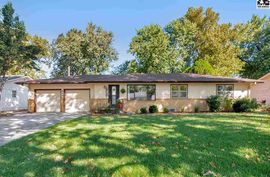 904 W 23rd Ave Hutchinson, KS 67502,