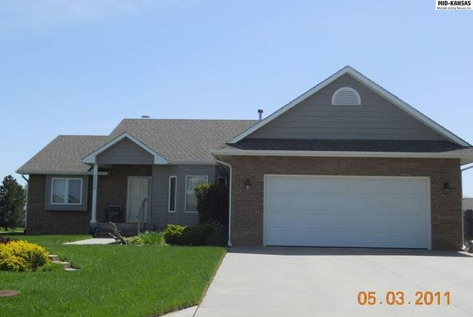 Photo of 1120 Cobblestone McPherson, KS 67460