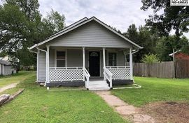 305 S Main St Canton, KS 67428,