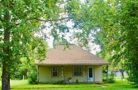 204 N Pierce St Nickerson, KS 67561,