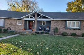 Photo of 903 Surrey Trail Hutchinson, KS 67502