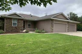 1419 W 14th Ave Hutchinson, KS 67501,