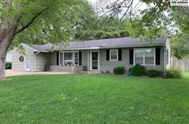 Photo of 3106 N Halstead St Hutchinson, KS 67502