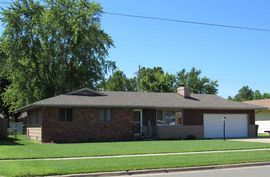 Photo of 1009 E 23rd Ave Hutchinson, KS 67502