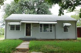 Photo of 1520 E 6th Ave Hutchinson, KS 67501