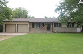 Photo of 5618 Johnson Dr Hutchinson, KS 67502