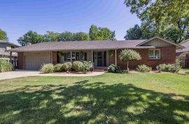 2706 Pama Lou Ave Hutchinson, KS 67502,