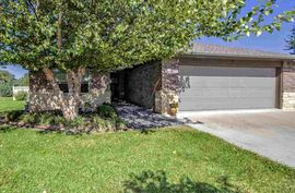 1424 Sedona Ct Hutchinson, KS 67502,