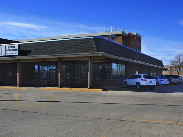 Photo of 2721 N Main St Hutchinson, KS 67502