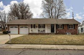 Photo of 904 Wyoming Ave Hutchinson, KS 67502