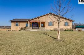 Photo of 310 W 56th Ave Hutchinson, KS 67502