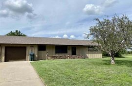 Photo of 10216 Paganica Plaza Dr Hutchinson, KS 67502
