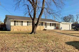 Photo of 3000 Cornell Dr Hutchinson, KS 67502