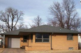 Photo of 16 Sunflower Ave Hutchinson, KS 67502