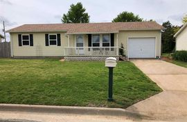 1118 Manor Rd Lyons, KS 67554,