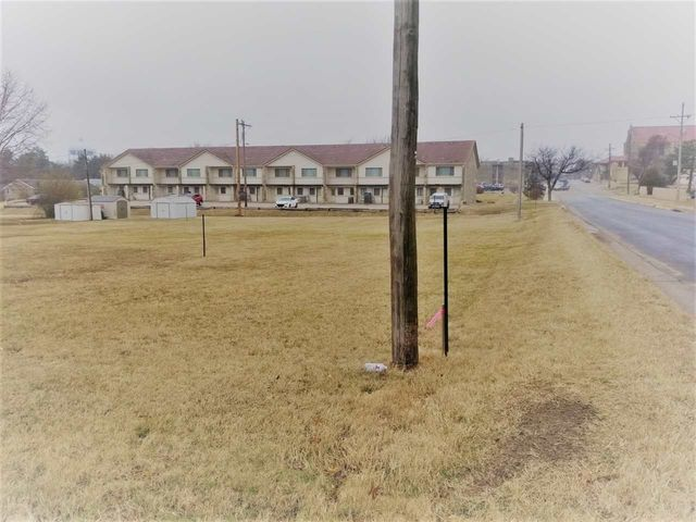 Photo of 305 Wheat Rd Winfield, KS 67156