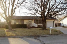 816 Pine Ct McPherson, KS 67460,