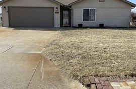 2503 N King St Hutchinson, KS 67502,
