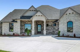 Photo of 1342 N Shadow Rock Dr Andover, KS 67002