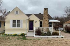 424 E 15th Ave Hutchinson, KS 67501,