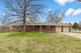 2303 Howell Dr Hutchinson, KS 67502,