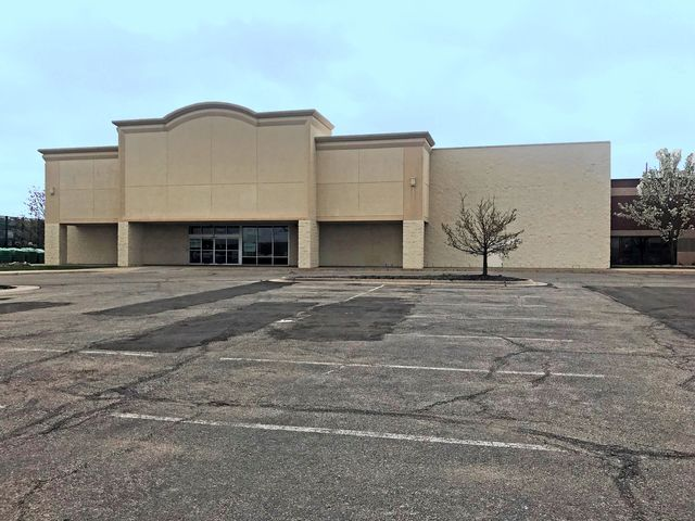 Photo of 11835 E. Kellogg Wichita, KS 67207