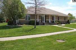 401 Crestview Ct McPherson, KS 67460,