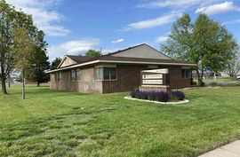 Photo of 900 E 27th Ave Hutchinson, KS 67502