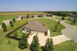 1010 Myles Ct Wellington, KS 67152,