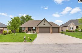 Photo of 101 Dakota Dr Hutchinson, KS 67502