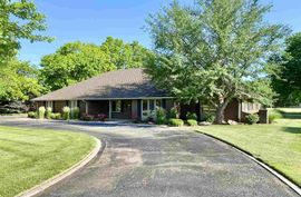 Photo of 60 Willowbrook St Hutchinson, KS 67502