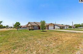 201 N Maple St South Hutchinson, KS 67505,