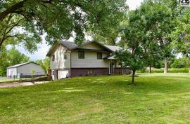 7603 Mckenzie Way Hutchinson, KS 67501,