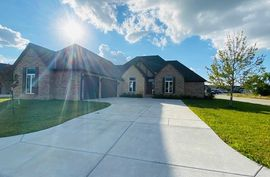 8490 E Deer Run St Bel Aire, KS 67226,