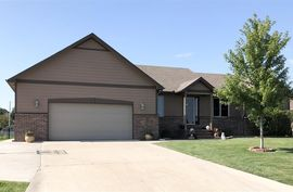 709 W 32nd Ave Hutchinson, KS 67502,