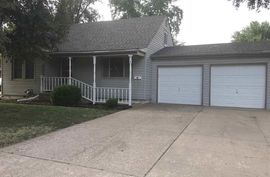 Photo of 919 W Lincoln St Lyons, KS 67554-3107