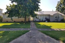 711 OAK ST Burden, KS 67019,