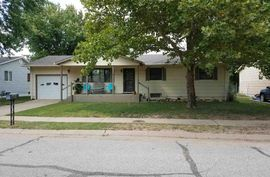 1302 E 25th Ave Hutchinson, KS 67502,