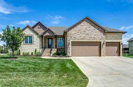 4880 N Indian Oak St Bel Aire, KS 67226,