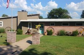 8 Easy St Winfield, KS 67156,