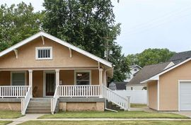 Photo of 1709 N Walnut St Hutchinson, KS 67502