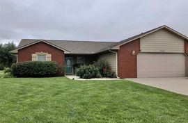 703 Harvest Ct McPherson, KS 67460-1733,