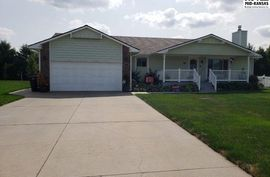 1215 Wildmeadow Rd McPherson, KS 67460,
