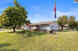 12 E Salina Dr Haven, KS 67543,