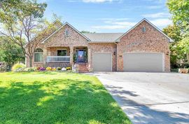 Photo of 321 N Montbella Cir Wichita, KS 67230