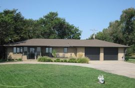 Photo of 4805 S Broadacres Rd Hutchinson, KS 67501
