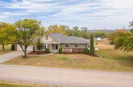 514 E 33rd St S Wellington, KS 67152,