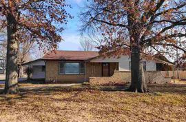 1301 Glendale Rd McPherson, KS 67460,